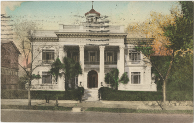A Welcoming Past: A vintage postcard of Villa Margherita. IMAGES COURTESY OF (POSTCARD) LEAH GREENBERG POSTCARD COLLECTION, SPECIAL COLLECTIONS, COLLEGE OF CHARLESTON LIBRARIES & (DAISY WITH HELEN JENNINGS) LEE JENNINGS