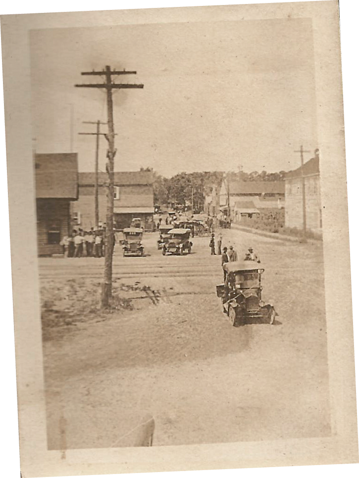 A photograph of Moncks Corner on the day of the great shoot-out between rival bootlegging gangs, the McKnight organization and the Villeponteaux clan, in 1926