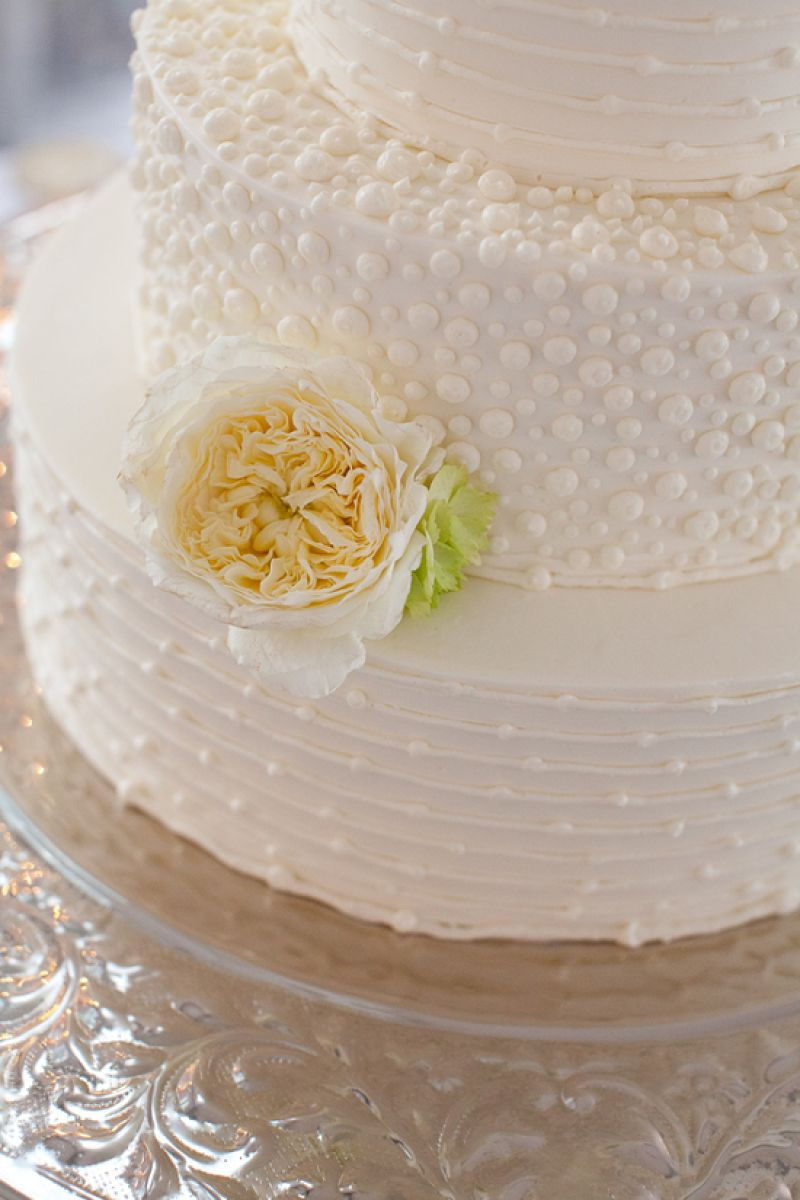 """SECOND HELPINGS: The reception wasn't the only place the newlyweds enjoyed a sweet slice. """"We woke up at 6:00 the next morning starving, and ate leftover wedding cake right then and there in bed,"""" says Brianna."""