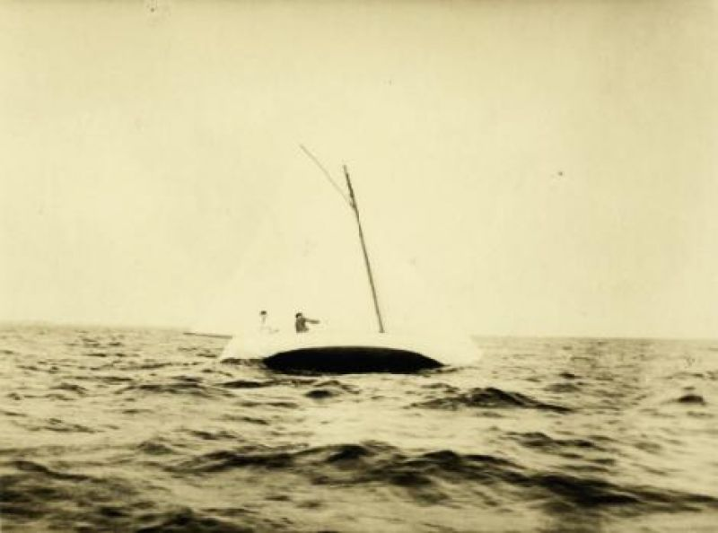 """Aboard """"Miladi"""" on Great South Bay in 1916. Belle went on to become the first woman to win a major race there."""