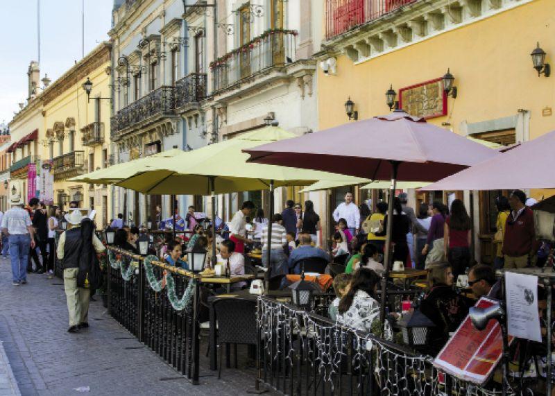 Street-side dining in Guanajuato