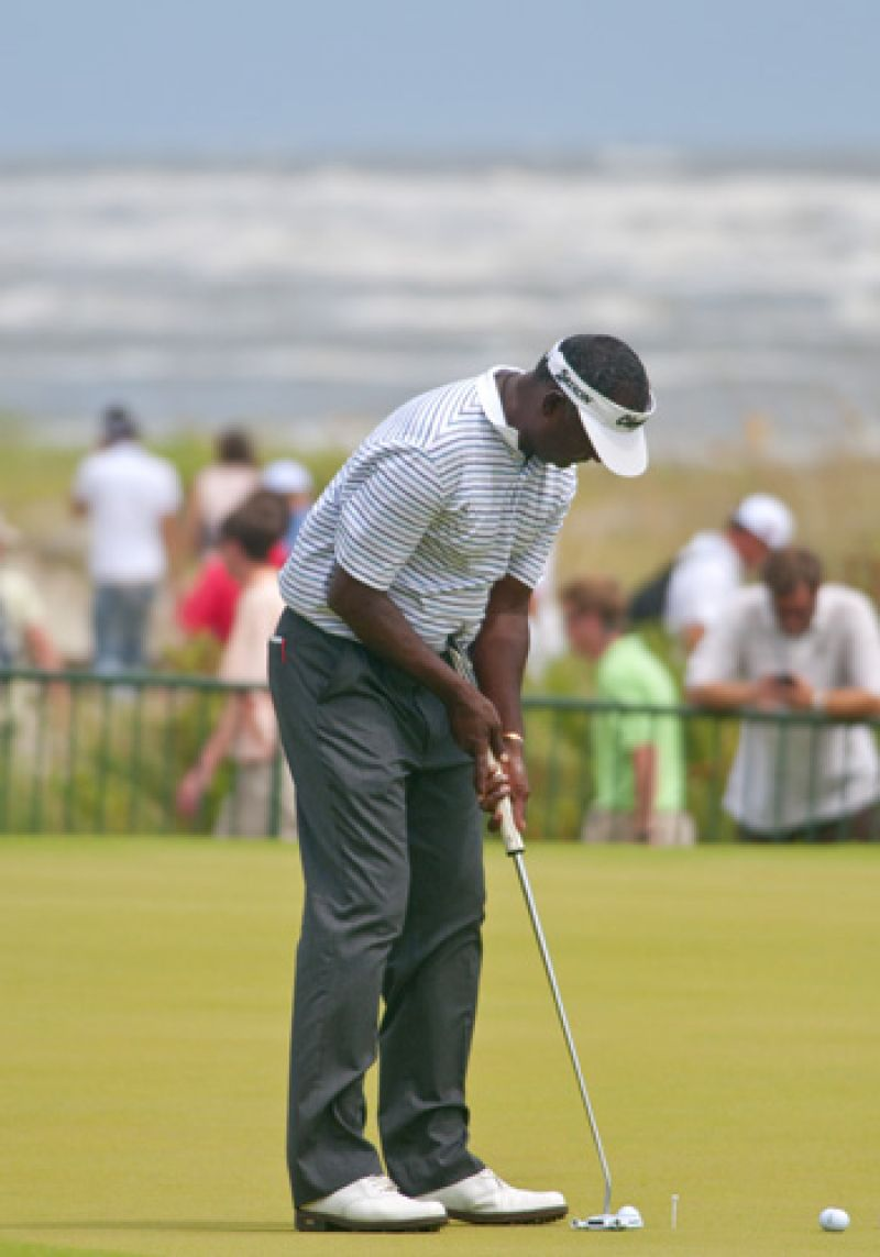 Vijay Singh on the practice green after an impressive 3 under round today.