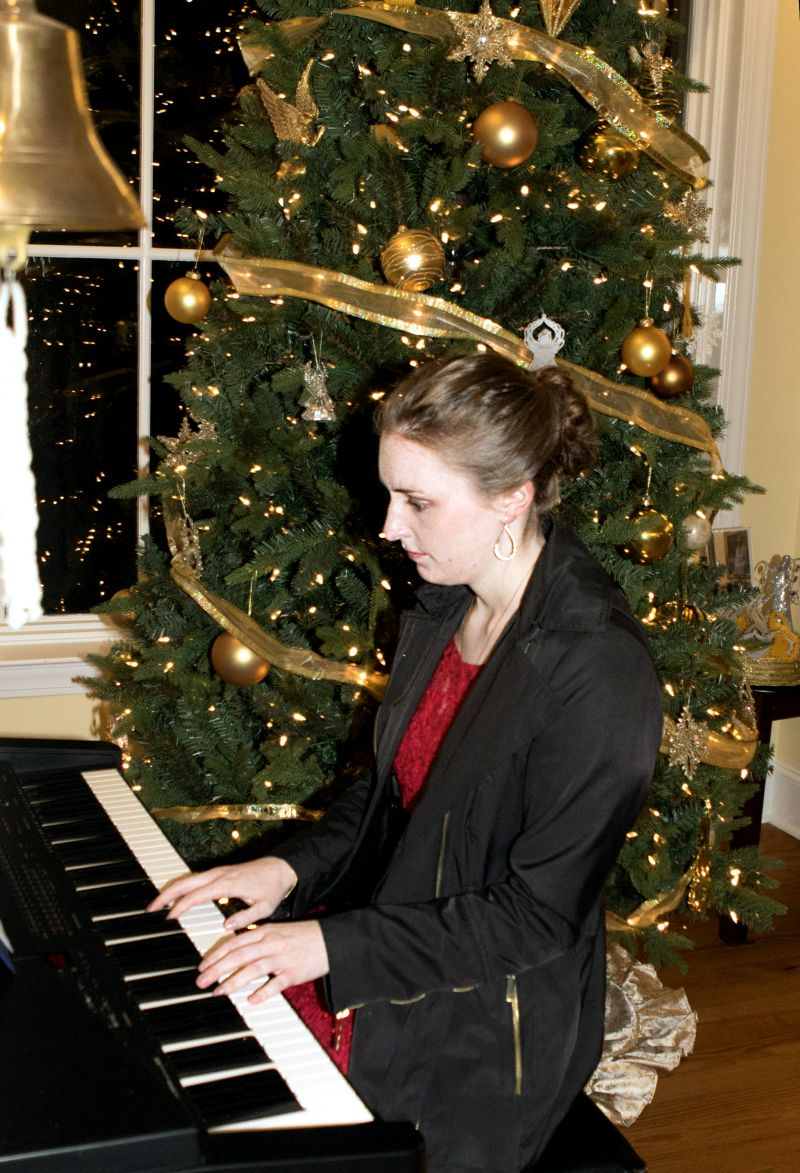 A pianist offered up holiday selections