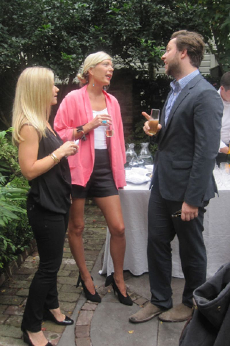 Derek chats with Jackie Tyler Thomson of Leapfrog PR.