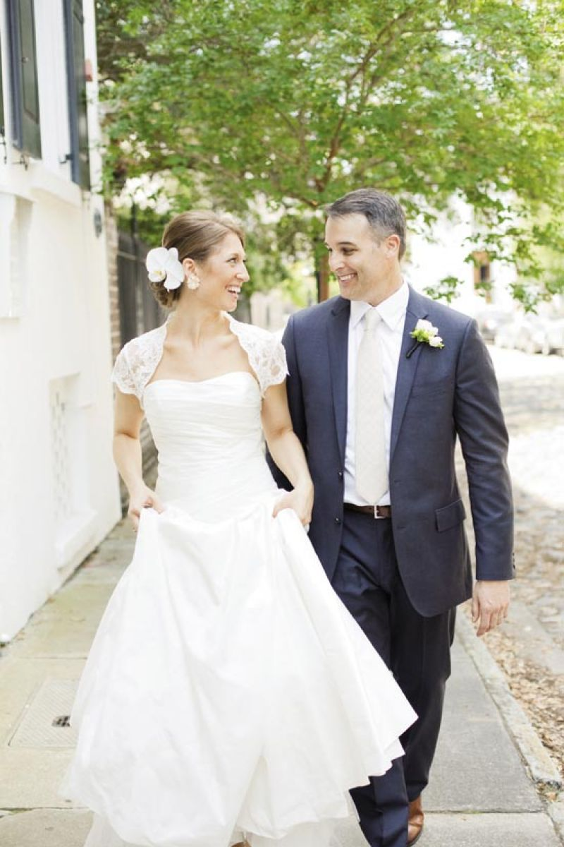 DRESSED & IMPRESSED: The ivory tie of Tim's J.Crew suit complemented Jessica's Monique Lhuillier gown.