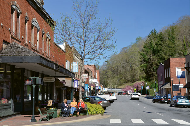 13 best small towns in western north carolina wnc magazine for Best small towns in north carolina