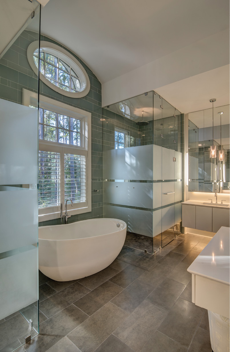 "When the couple saw the Waterworks ""egg"" tub in the Washington, DC showroom, it was a must-have."