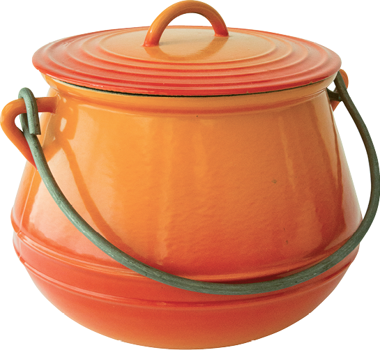 1920s bean pot designed to hang over the fire