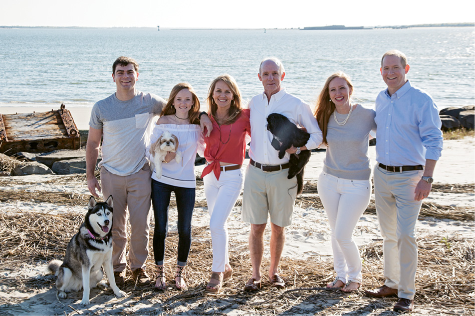 Beach time with the whole family: Brock, Alyssa, Tara, Kirk, and Chelsea with husband Brad Milford, plus pups Nala, Lilly, and Sulli