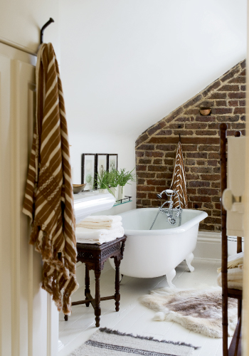 bathroom_past_forward.jpg