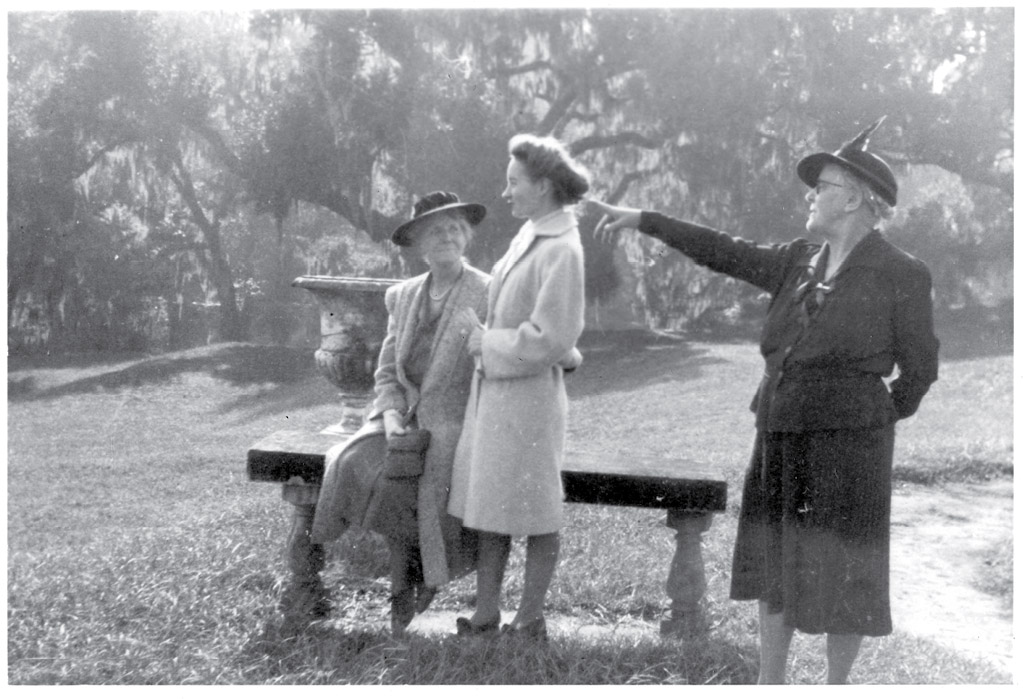 Alice and friend Harry McInvaill during a visit to Dean Hall Plantation circa 1943