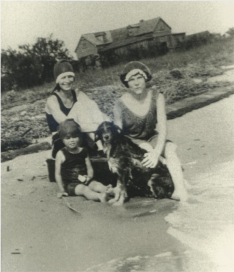 Beachgoers in the 1920s