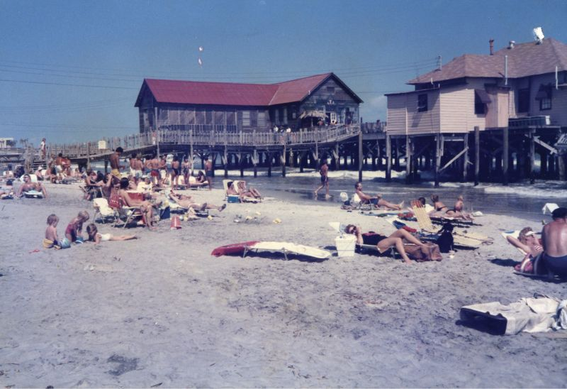 The Atlantic House Restaurant in 1988, the year before it was destroyed by Hurricane Hugo