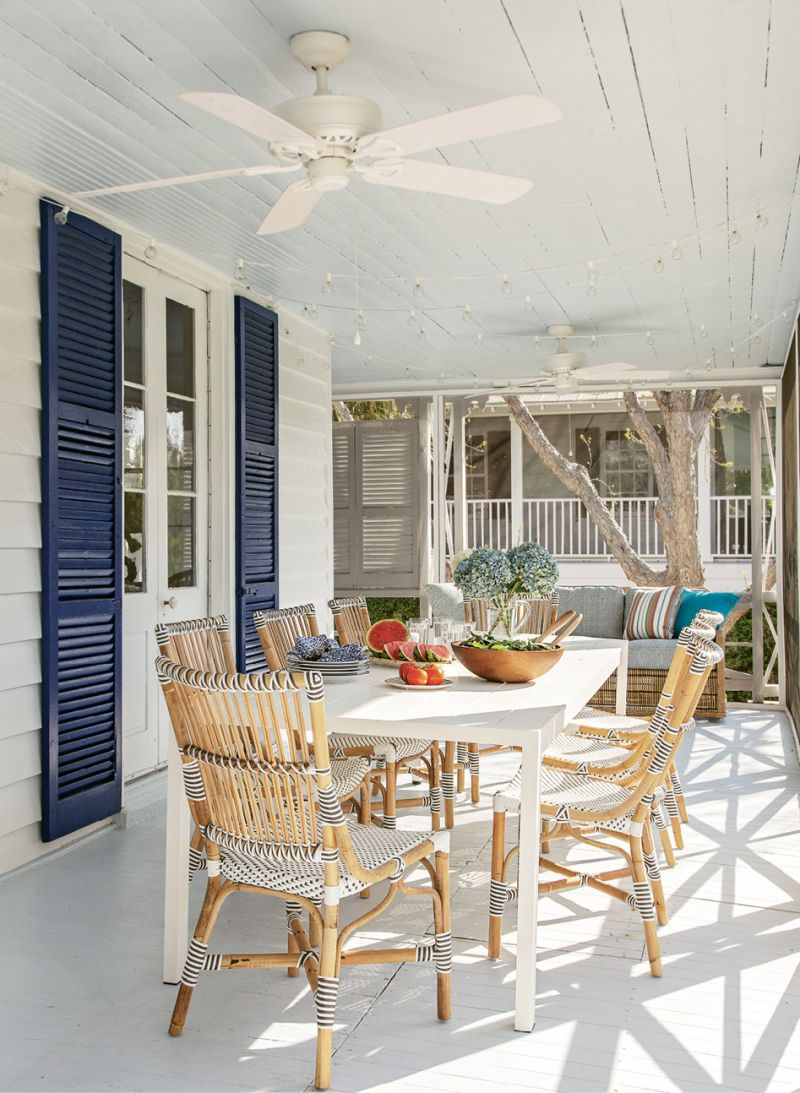 Its quintessential beachside charm—complete with an enormous porch perfect for entertaining—made it the ideal candidate to renovate rather than raze.