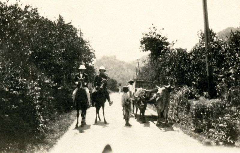 Beebe (right), possibly on the road from Kartabo to Bartica