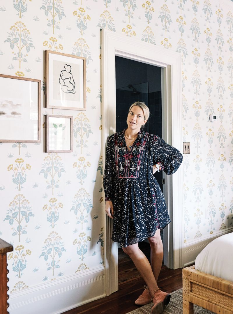 Upstairs, Kate infused each of the seven rooms with its own snug allure using wallpaper by 19th-century English pattern designer William Morris, vintage Turkish rugs, antique case goods, and local art.