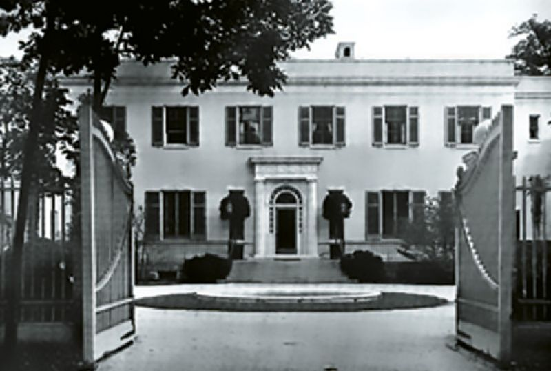"""1927: Andrew Mellon bought """"Three Ponds""""—Victor's 100-acre Long Island estate with a 32-room mansion and sunken gardens—as a Christmas gift for his daughter."""