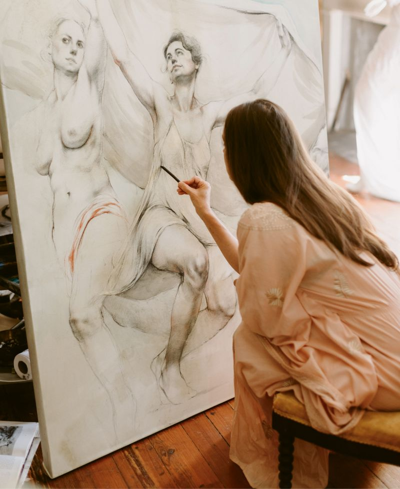 From numerous detailed studies to large-scale drawings, Jill Hooper (pictured in her home studio) is continually expanding her artistic repertoire.